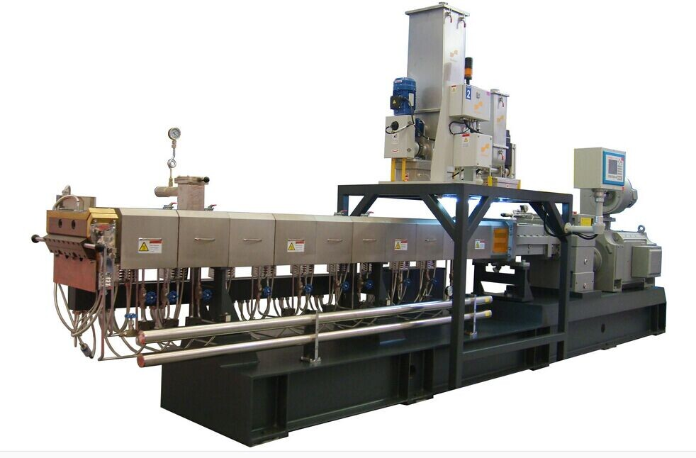 High speed high torque twin-screw extruder